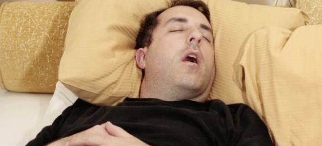 Почему человек храпит во сне и что делать с проблемой?