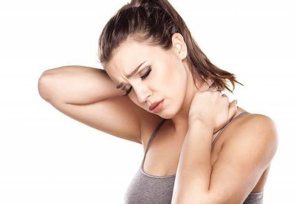 Болит шея после сна как избавиться от боли и дискомфорта