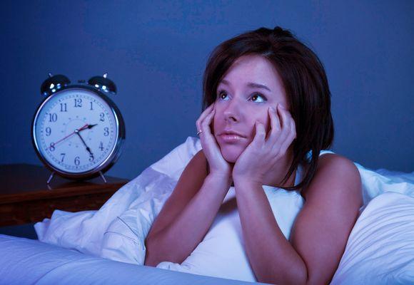 Плохой сон ночью у взрослого: что делать, причины и лечение