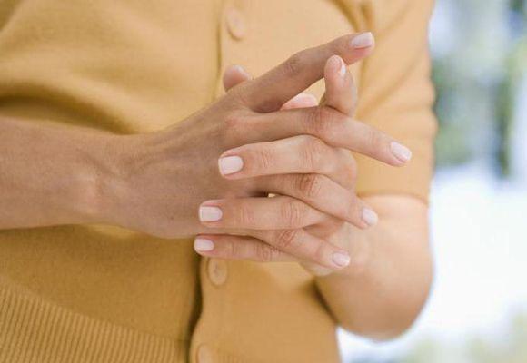 руки сводит