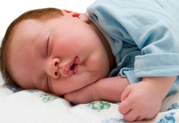 малыш храпит во сне
