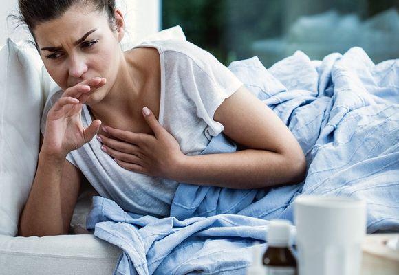 Как успокоить кашель перед сном