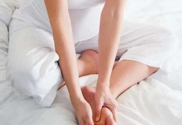 болят ноги у беременной