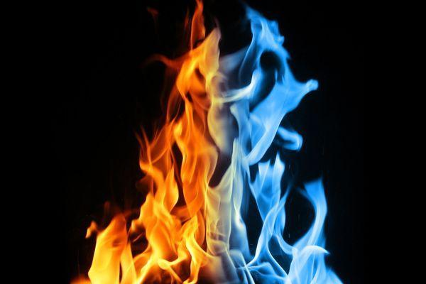 разноцветное пламя