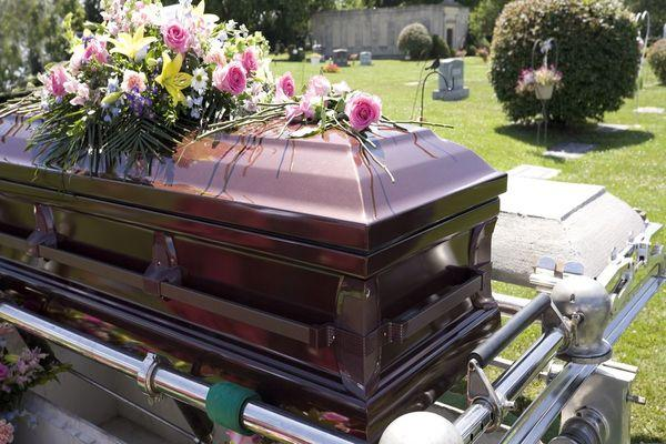 лакированный гроб