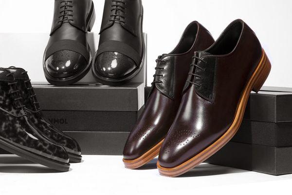 обувь и коробки