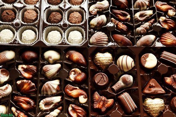 много шоколадных конфет