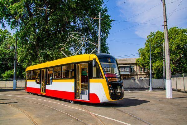 пустой трамвай
